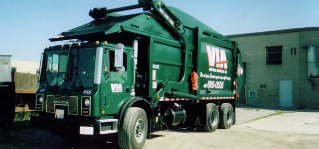 Via Waste Pick-up Truck